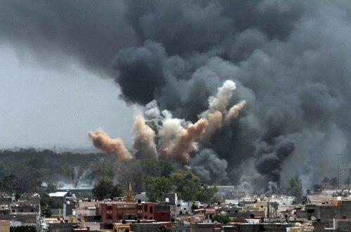 Explosiones de bombas lanzadas por aviones de la OTAN en el norte de Siria. Fuente: Aljazeera.com